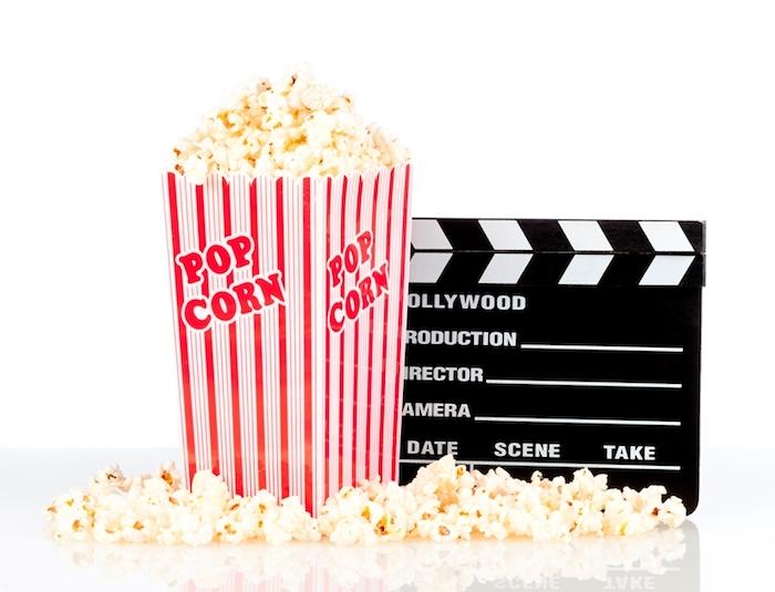 geschenkideen für beste freundin popcorn und tickets für kino zusammen ins kino gehen filme ansehen momente mit den mädels genießen