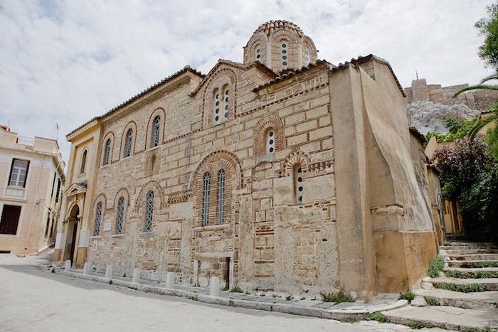 griechenland athen sehenswerte gebäude ate architektur-beispiel für dieneuen generationen stein und holz materialien byzantinische architektur
