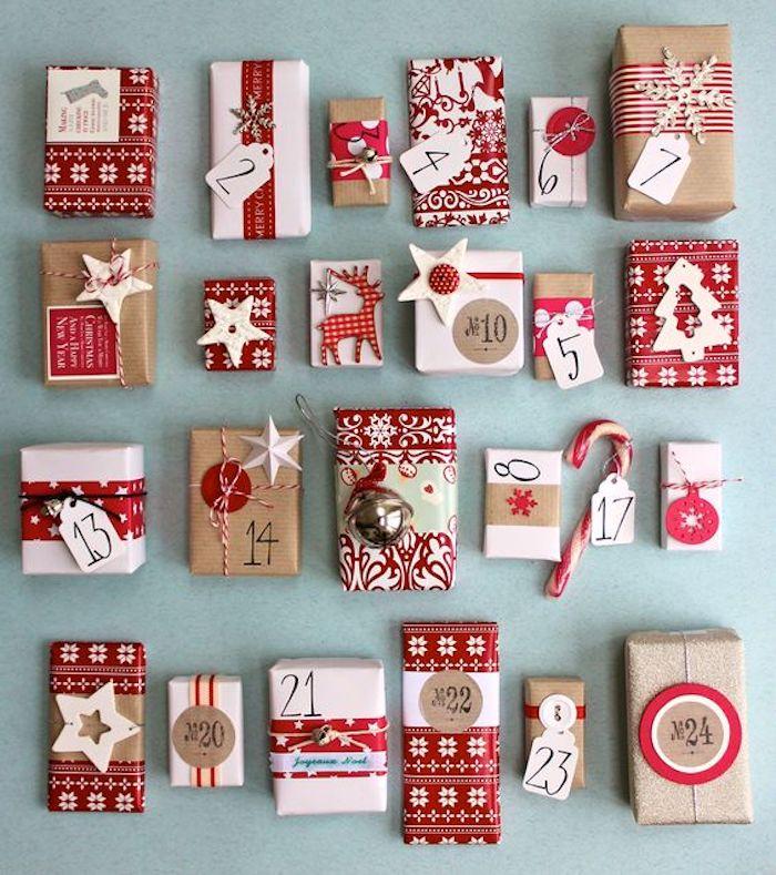 vierundzwanzig kleine Geschenke mit weihnachtlichen Motiven und Nummern - Adventskalender basteln für Männer