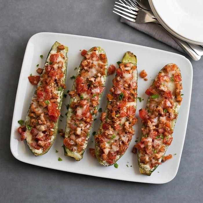schnelle low carb rezepte zucchini speise gericht mit oder ohne flesch zubereiten gemüsewürfel geriebene käse