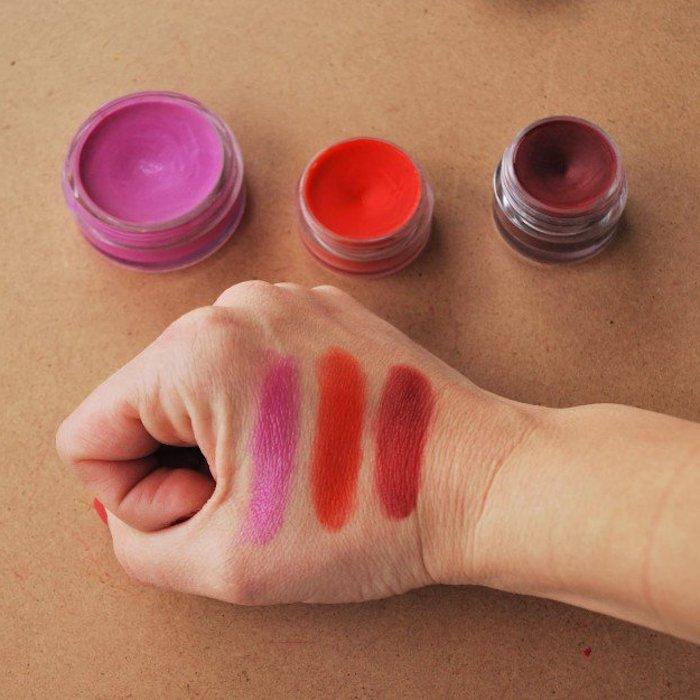 lippenstift selber machen,selbstgemachte lippenstifte in verschiedenen farben