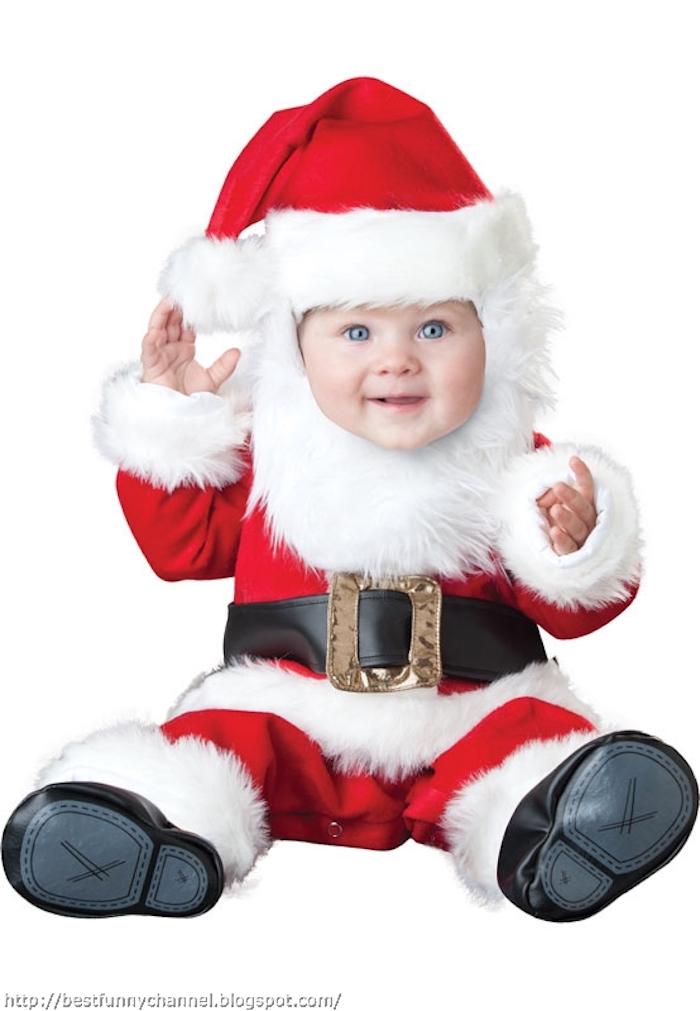 ein süßer Weihnachtsmann, das ganze Kostüm und den künstlichen Bart - schöne Weihnachtsbilder