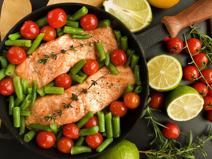 no carb rezepte lachs fisch und fleisch enthalten keine kohlenhydrate limette zitrone cherry tomaten grüne bohnen