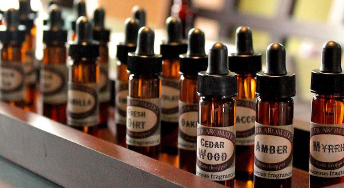 parfumöl, parfumöle aus verschiedenen zutaten, kosmetik aus naturprodukten
