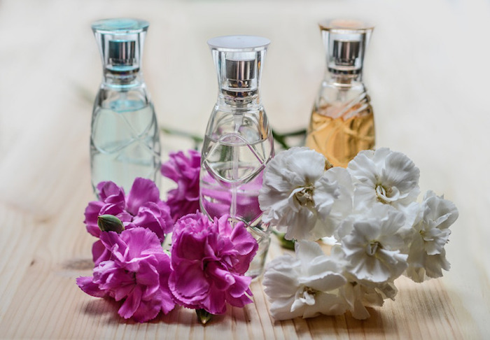 parfum selber herstellen, selbstgemachte parfüme mit jasminöl, diy kosmetik