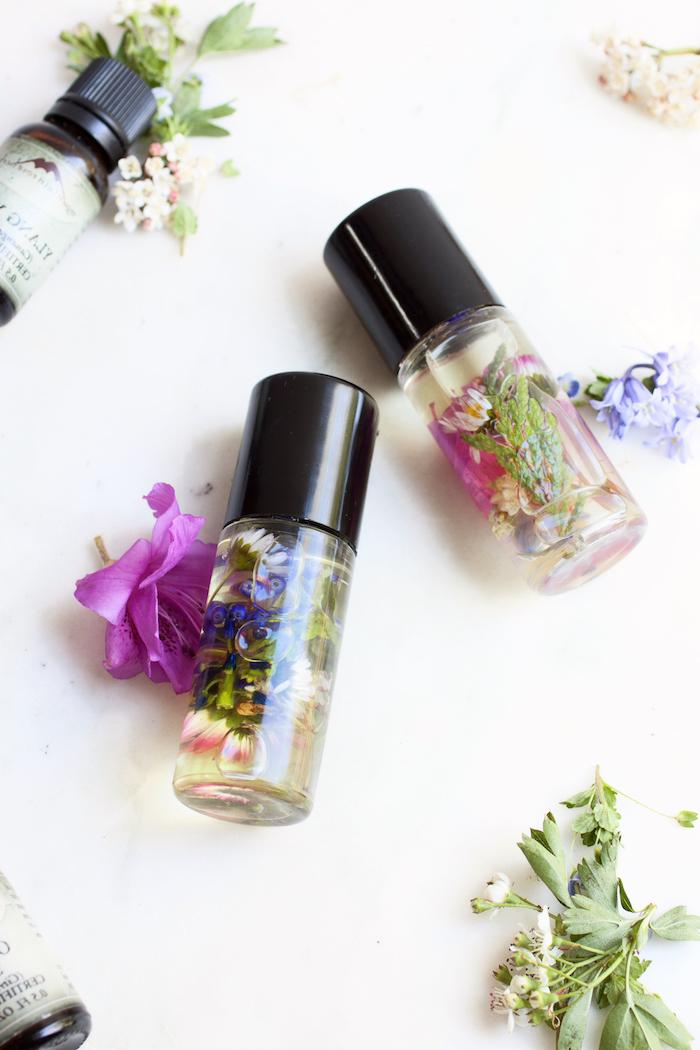 kosmetik selber machen, parfümöle mit getrockneten blütenblätter, diy parfüm