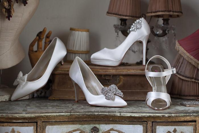 vier Arten von Rainbow Club Schuhe von Ivory Serie