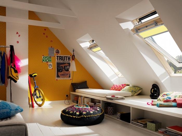 möbel für dachschrägen teenager zimmer bunte gestaltung ideen rad fahrrad fahren zimmer mit dachschräge dachfenster