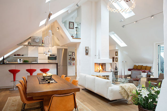 Dachschräge Gestalten Wohnküche Auf Dem Letzten Stoch Leben Wohnung  Geschickt Einrichten Esstisch Essbereich Sofa Wohnzimmer Wohnflair