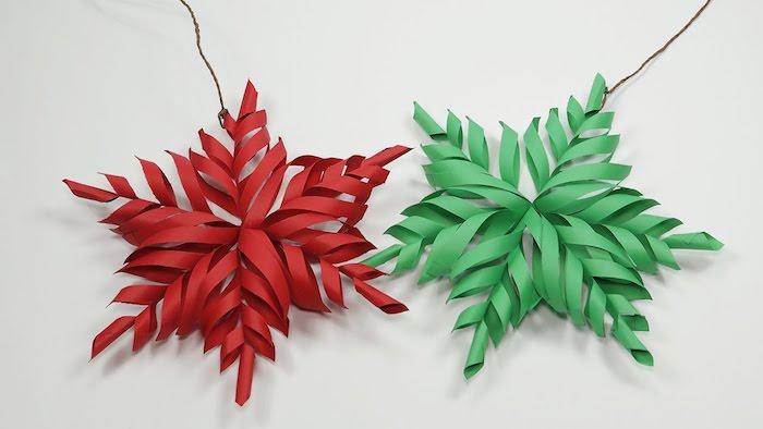 weihnachtliche Farben von zwei 3D Schneeflocken - ein ausgezeichnetes Basteln Winter