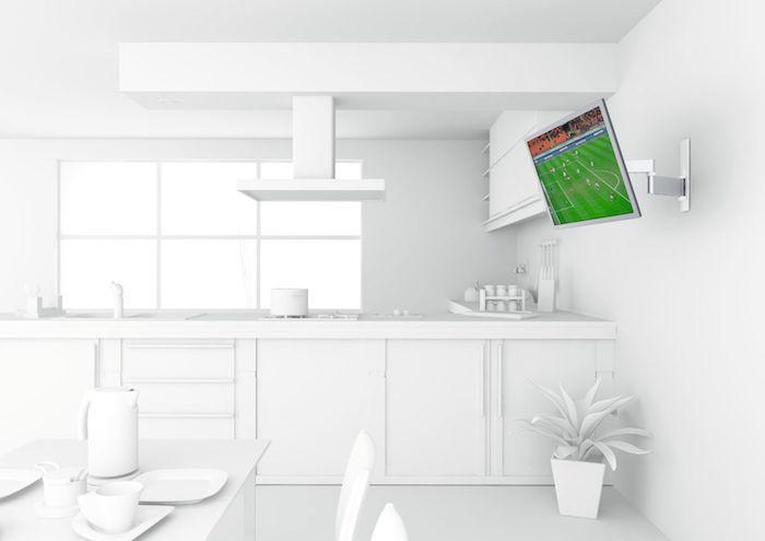 tv wandpaneel weiße einrichtung bei der der fernseher sich total auszeichnet blumentopf topfdeko