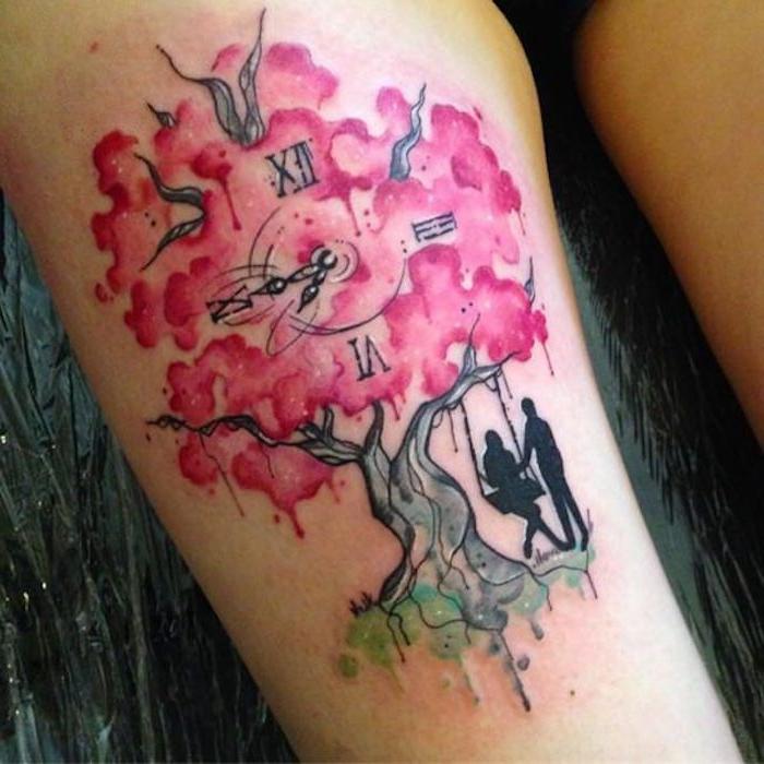 symbol für verbundheit, kirschbaum in kombination mit uhr, oberschenkel tattoo
