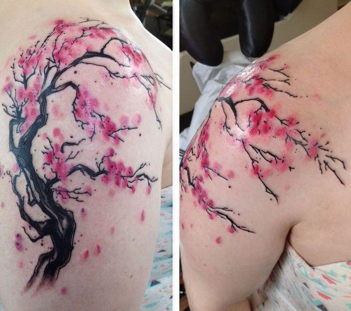 tattoo beudetung, kirschbaum mit rosa blüten am schulter, tattoos für frauen