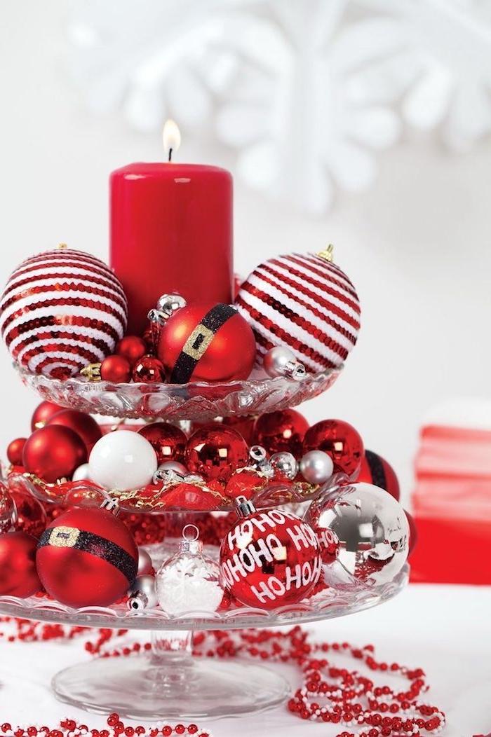 weihnachtsdekoration deko zu weihnachten rot weiße gestaltung teller für süßigkeiten