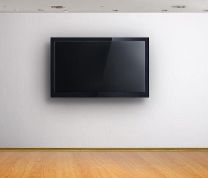 wohnwand weiß super einfaches design weiße wand schwarzer fernseher und beige bodenbelag