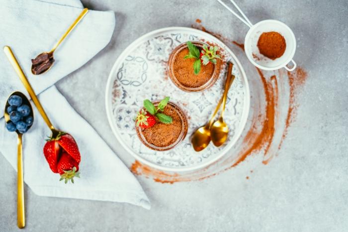 vegane schokolade selber machen, leckere schokoladenmousse mit aquafaba
