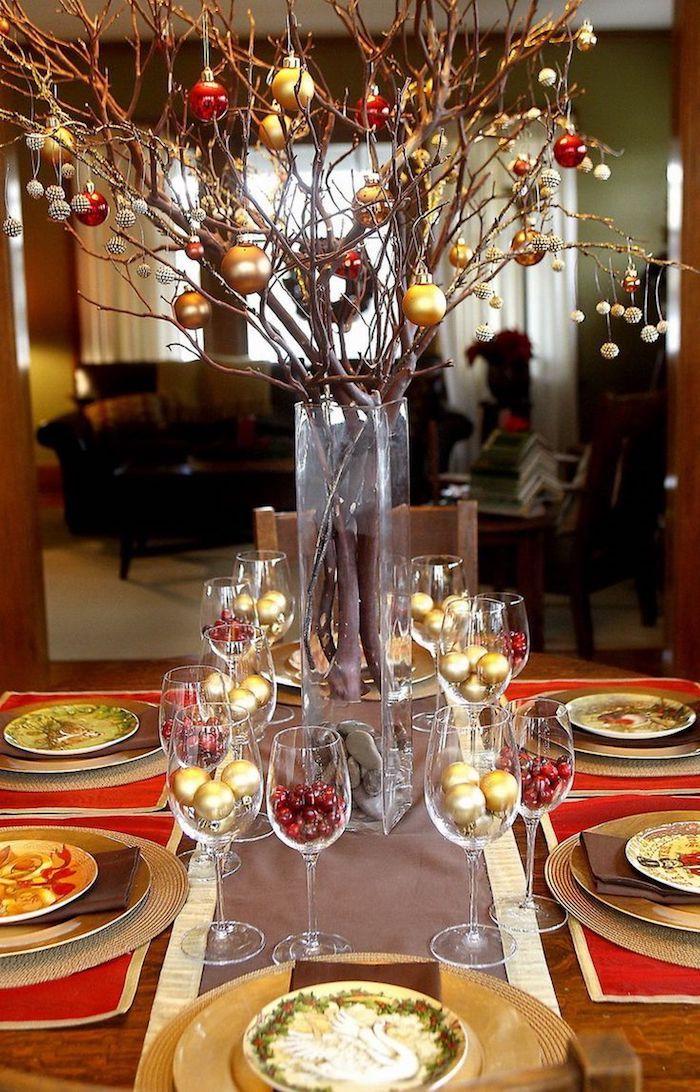 weihnachtsdeko selber machen weihnachtliche dekoration in rot und golden grüne deko ideen zweige