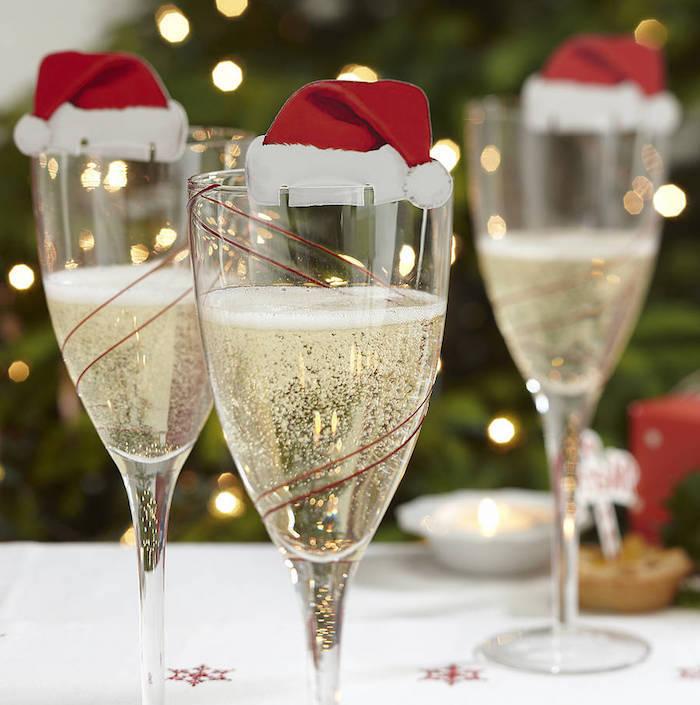 weihnachts deko natur ideen zum selbermachen champagner in den gläsern kleine hüter für gläser glasdeko