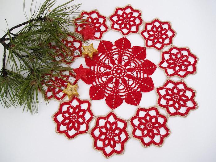 weihnachtsdeko selber basteln ideen zum hackeln rote faden in schöne schneeflocke verwandeln