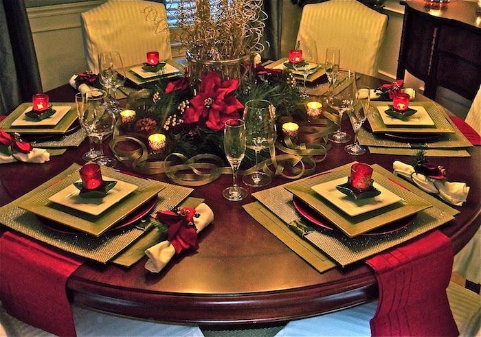 weihnachtsdeko selber basteln runder tisch mit platz für sechs personen quadratische teller