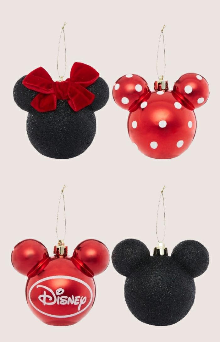 Weihnachtskugeln als Minnie- und Mickeymouse, den Christbaum mit Kindern schmücken, Weihnachtsstimmung zuhause