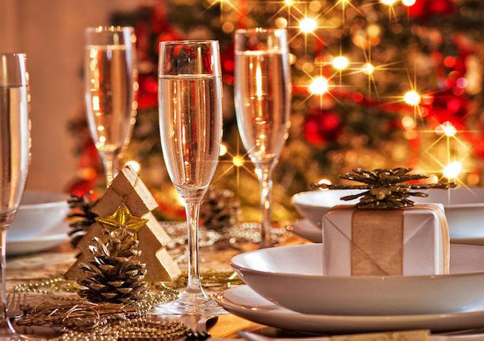 dekoration weihnachten drei gläser zu weihnachten familienfest schöne zeit mit der familie liebe momente geschenke