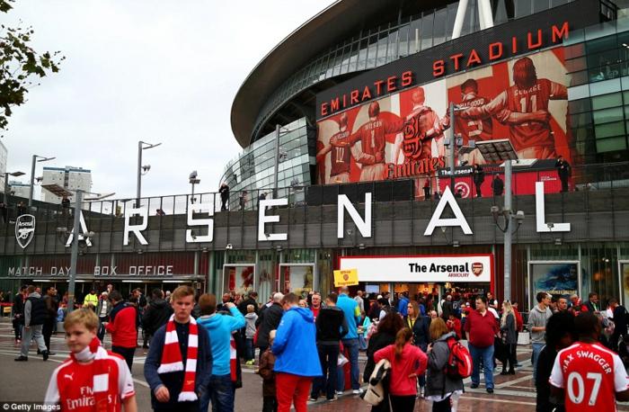 Das perfekte Weihnachtsgeschenk für Fußballfans, Fußball-Tickets zu Weihnachten schenken, Emirates Stadium