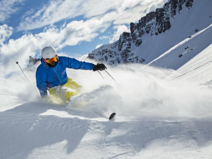 Skiurlaub zu Weihnachten schenken, Geschenkideen für Männer, Erlebnisgutscheine für jeden Geschmack