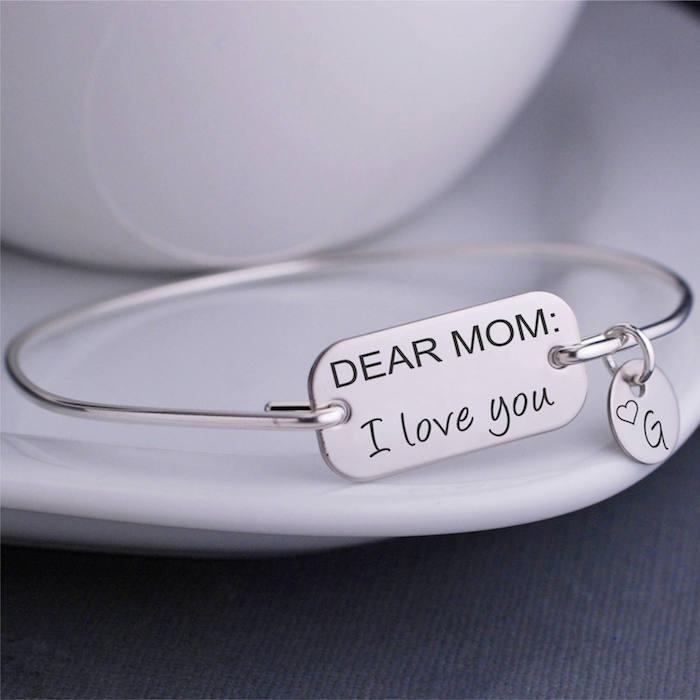 Weihnachtsgeschenk Mutter - ein Armband aus Silber mit Aufschrift Liebe Mutti, ich hab dich lieb!