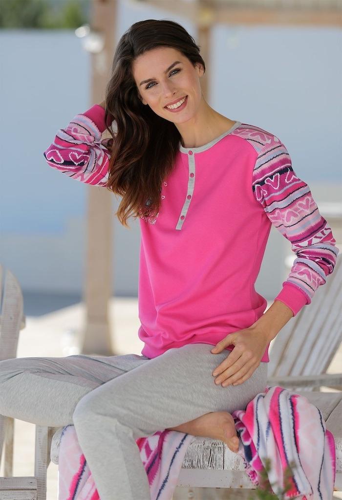 Weihnachtsgeschenk Mutter - ein rosa Schlafanzug von prominenten Marke