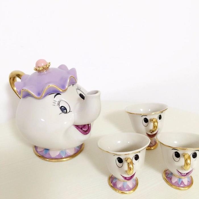 ein lustiges Geschenk - ein Tee-Set aus dem Zeichentrickfilm Die Schöne und das Biest
