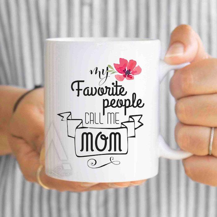 Weihnachtsgeschenke Eltern - meine Lieblinge nennen mich Mutti steht auf einer Tasse