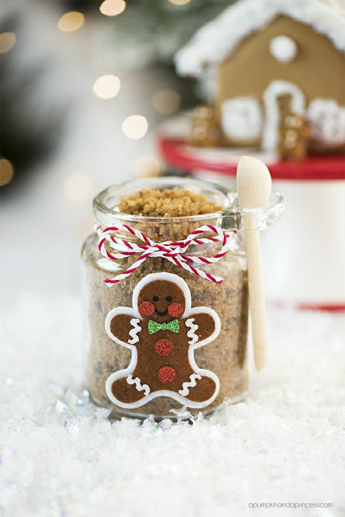 Weihnachtsgeschenk einfach und schnell selber machen, Einmachglas dekorieren, kleiner Kochlöffel befestigen, mit Braunzucker füllen