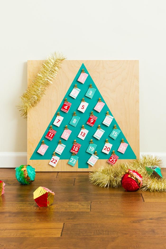 Weihnachtskranz-Adventskalender mit kleinen Weihnachtskarten für jeden Tag, coole DIY Idee für Kinder und Erwachsene