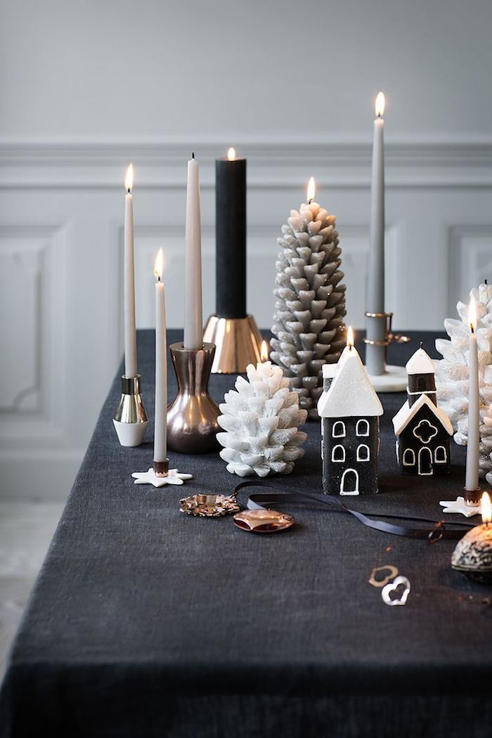 moderne weihnachtsdeko tischdeko kerzen verschiedene gestaltungen kerze formen ideen feuer