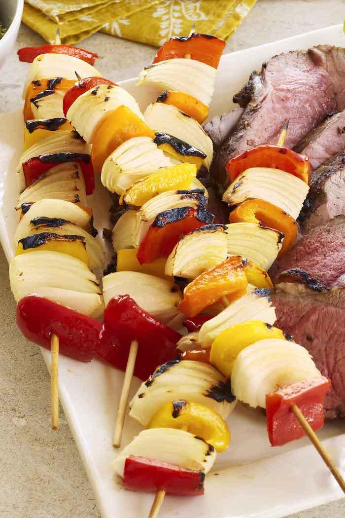 kohlenhydratarm kochen fleisch steaks fleisch braten schisch grillen paprika zwiebel möhren grillen