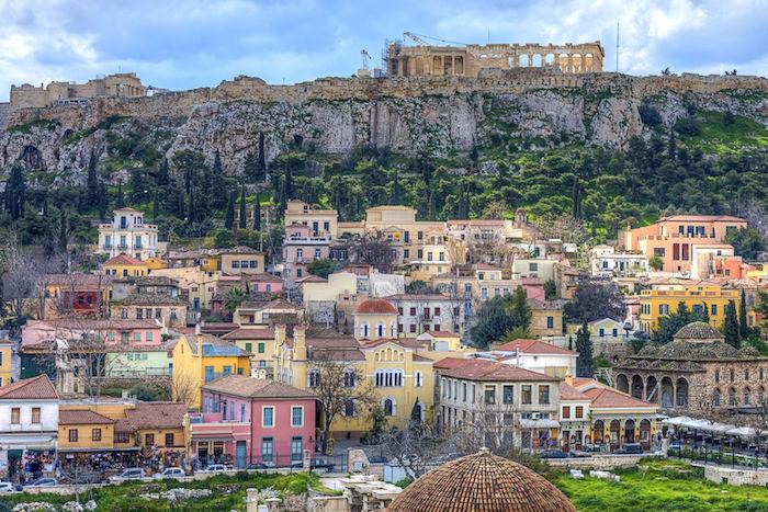 hauptstadt von griechenland bunte gebäude architektur sehenswürdigkeiten griechisch