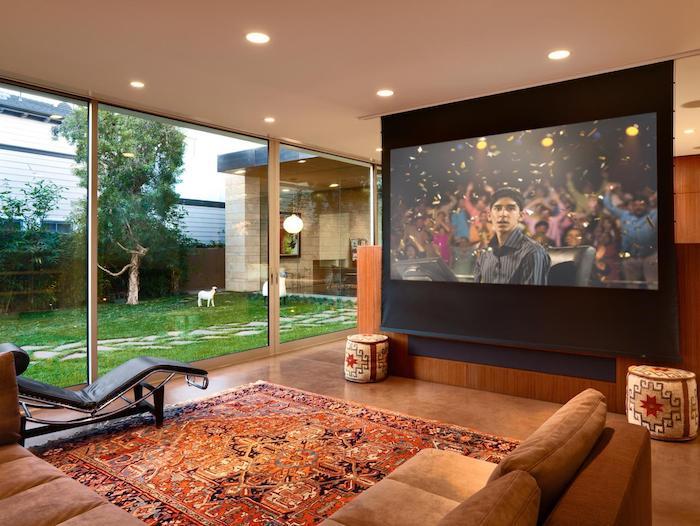 tv paneel persischer teppich haus mit garten die ganze wand als fernseher gestalten media projektor fernseher