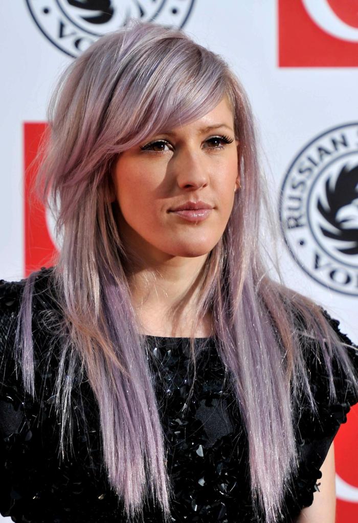 lange glatte lila haare, ponqfrisur, make up für lila haarfarbe, trendige frisuren