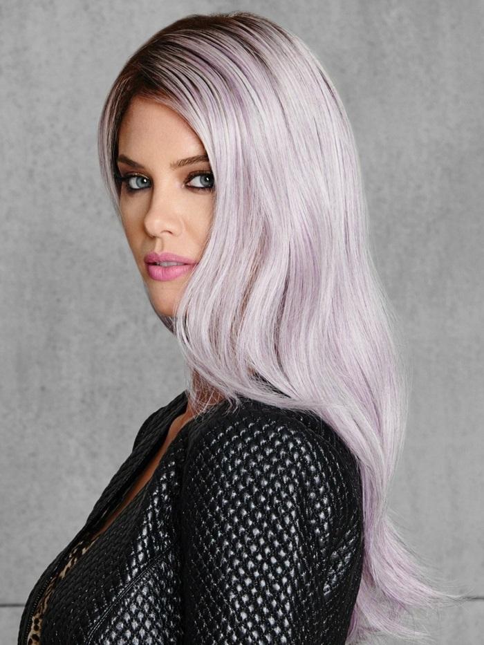 haarfarbe lila, lange glatte lila-graue haare, make-up für blaue augen