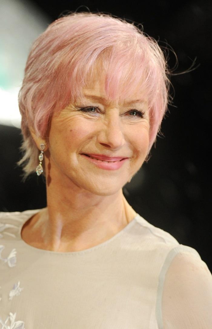 kurze glatte rosa haare, trendige harschnitte und haarfarben, rosafarbene haare