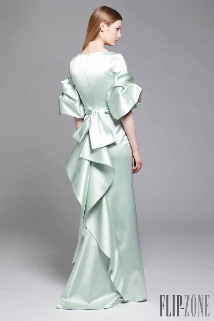 Elegantes bodenlanges Kleid für Silvester und andere besondere Anlässe, mit Schleife am Rücken