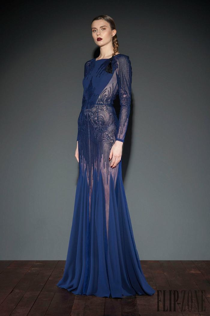 Bodenlanges Abendkleid in Dunkelblau, Spitzenkleid mit langen Ärmeln, Idee für Silvester Outfit