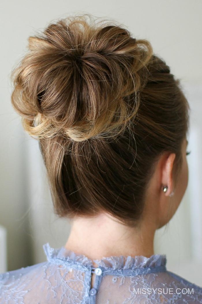 Schicke Hochsteckfrisur für besondere Anlässe, Dutt Frisur einfach und schnell selber machen