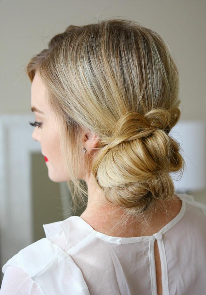 Einfache und schnelle Dutt Frisur zum Nachstylen, für lange und mittellange Haare, Hochsteckfrisur für jeden Tag
