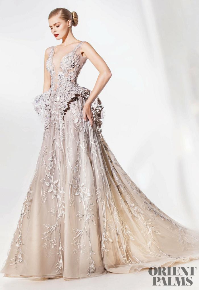 Weißes Abendkleid mit Blumenmuster, elegantes Kleid mit langer Schleppe und V-Ausschnitt