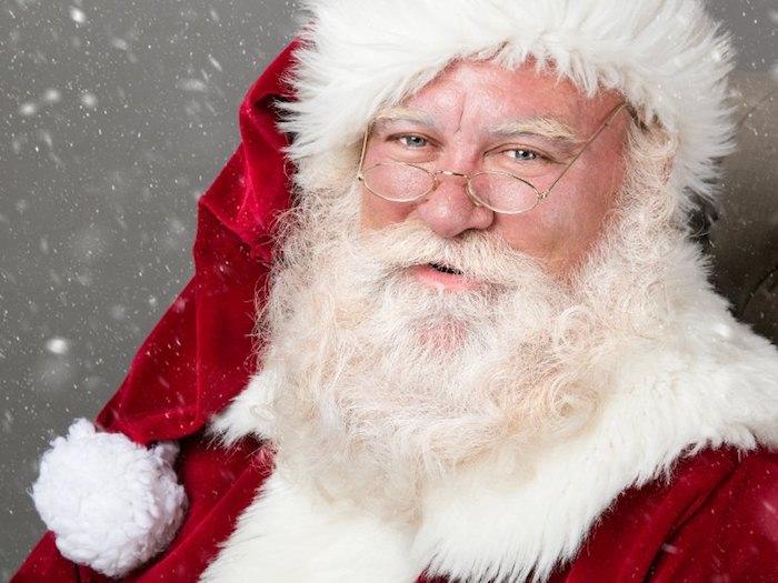 bart färben hausmittel der weihnachtsmann ein wahrzeichen für ihn ist sein bart weiße haare hut rot weiß