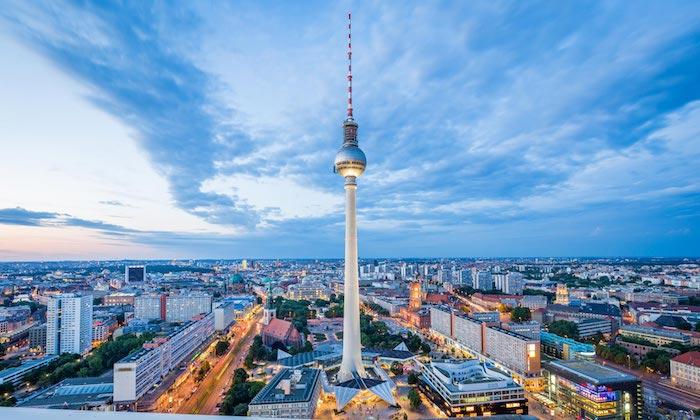 beliebteste reiseziele berlin deutschland ausblick aus einem höhepunkt idee fernsehturm betrachten und bewundern