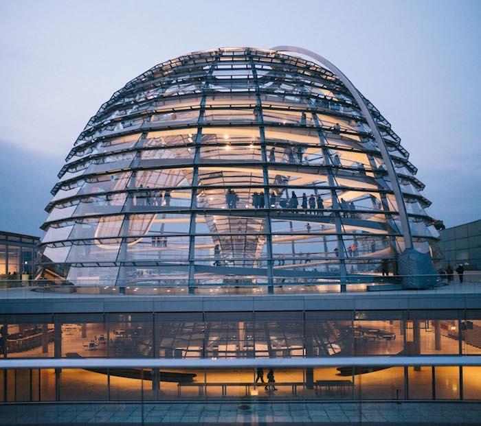 beliebteste reiseziele in der deutschen hauptstadt berlin das gebäude des rathauses glasgebäude rathaus besuchen