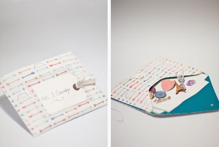 ein Briefumschlag mit Motiven von winzigen Pfeilen, Umschlag basteln und füllen
